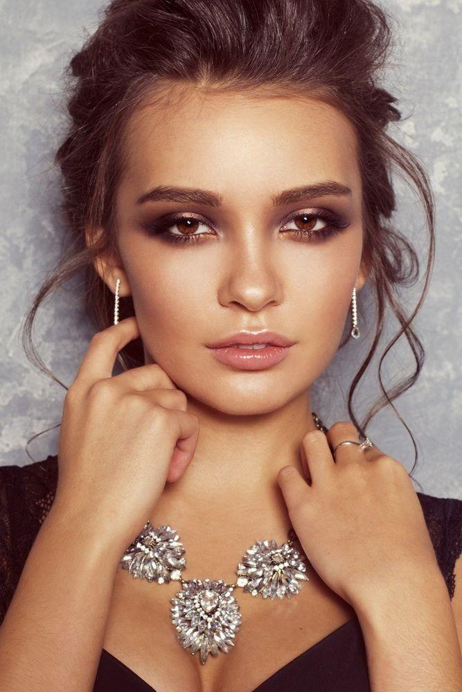 Красивый макияж в золотисто-бронзовых тонах