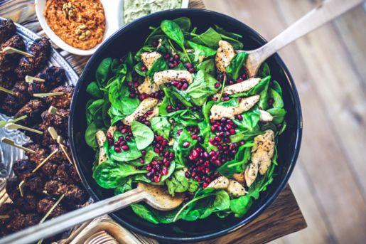 Healthy & Delicious Moroccan Chicken and Pomegranate Salad #healthyfood #delicious