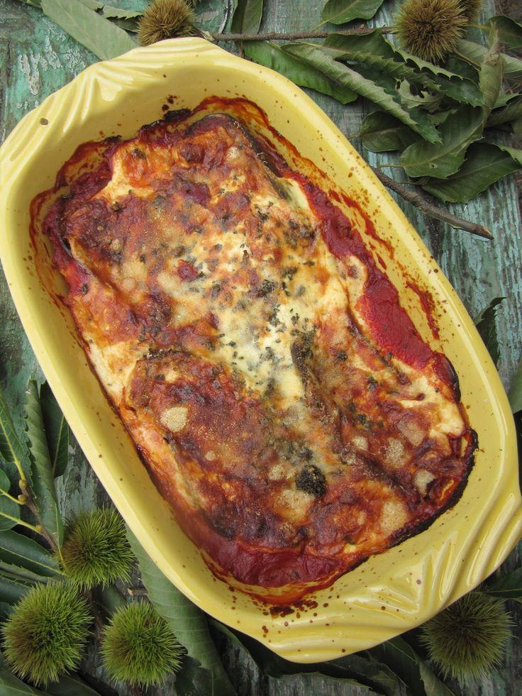 Je n'ai pas ajouté une goutte d'huile, pourtant le gratin était très moelleux. On accompagne ce plat de pâtes et d'une salade verte, avec d...