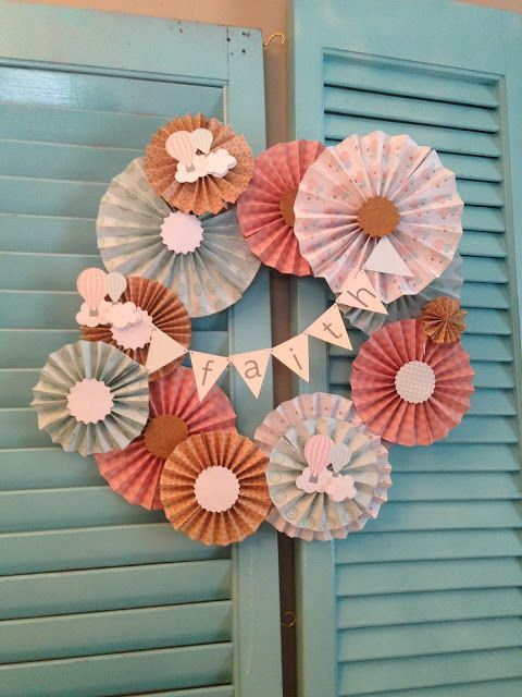 DIY Cutting Paper Medallions Wreath wiith Silhouette CAMEO (Free Cut File) - Silhouette School