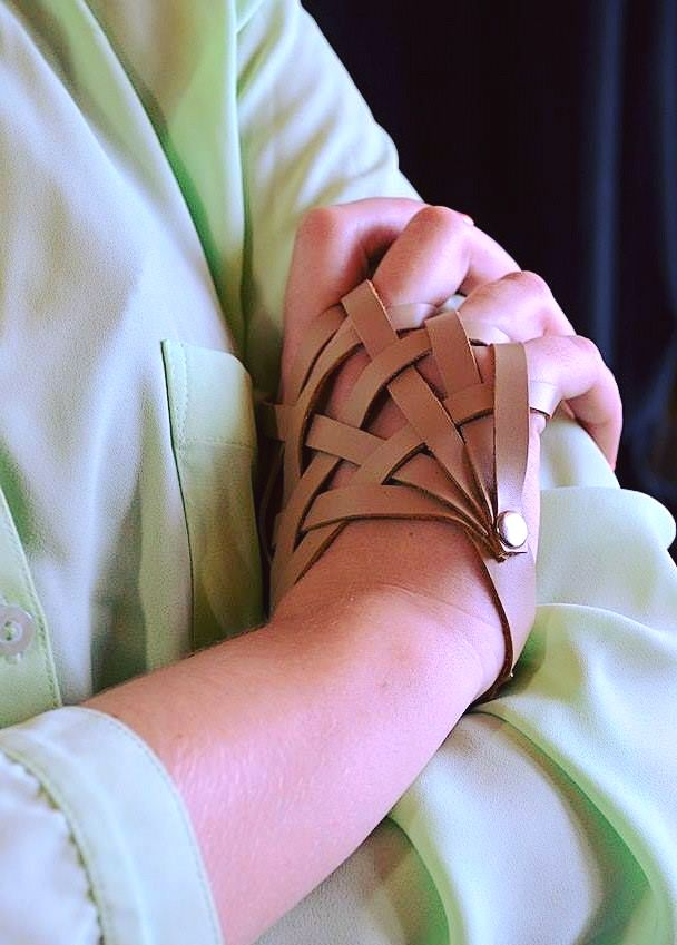 Nude beige hand and wrist harness Real leather glove bracelet High fashion extravagant jewelry Weaved sexy hand harness wristband for women