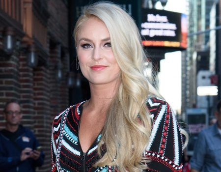 Lindsey Vonn Shares the Hardest Part About Dating Tiger Woods That Also ''Made Me Stronger'' | E! News
