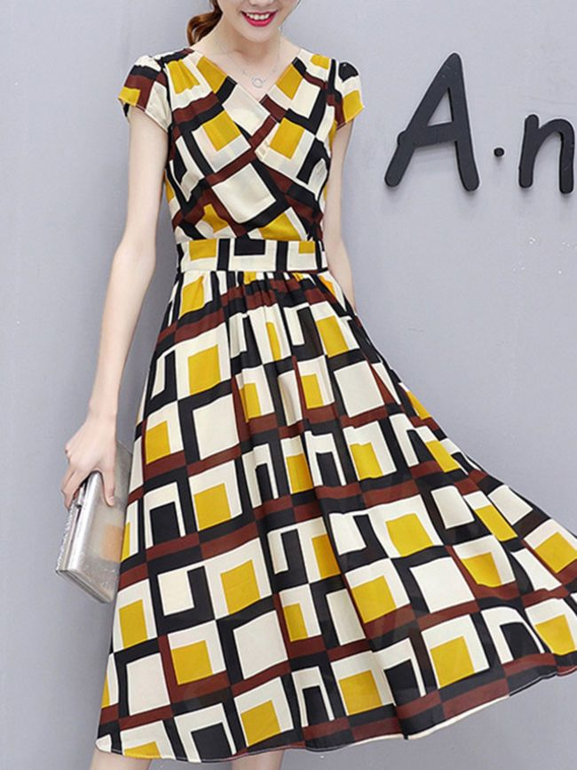 Buy V-Neck Color Block Plaid Midi Chiffon Skater Dress online with cheap prices and discover fashion Skater Dresses at Fashionmia.com.
