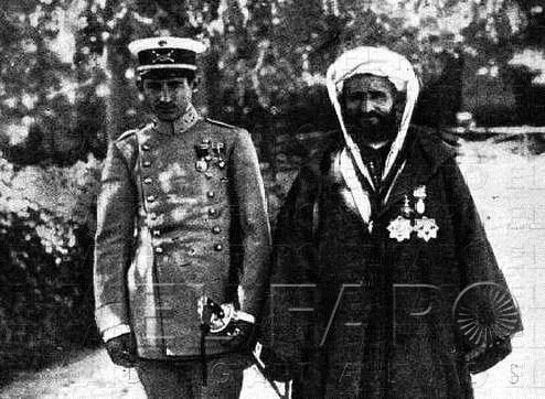 000 Mohammed ben Mizzian y su hijo militar Un marroquí