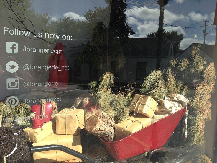 Christmas window dressings #merchandising