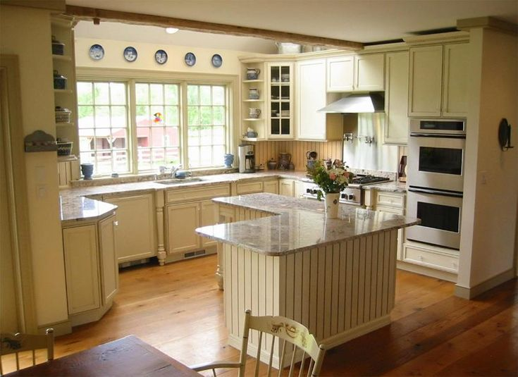 10 best images about colonial style homes on pinterest for Classic country kitchen designs