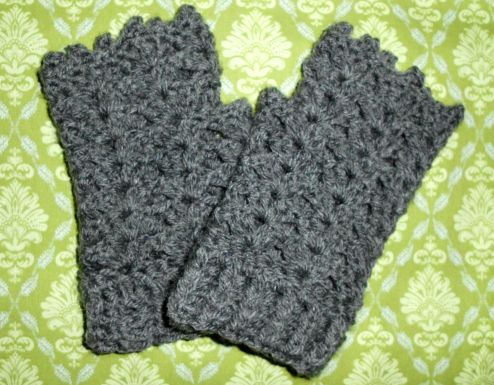 Crochet Fingerless Shell Stitch Gloves - Free Pattern