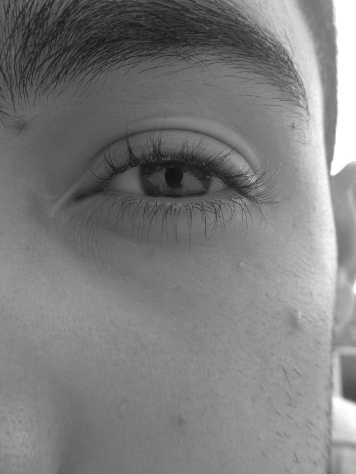 Black and White, Eye