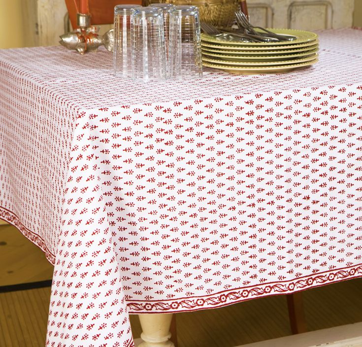 Charming Red And White Tablecloths   Hand Block Printed From Attiser