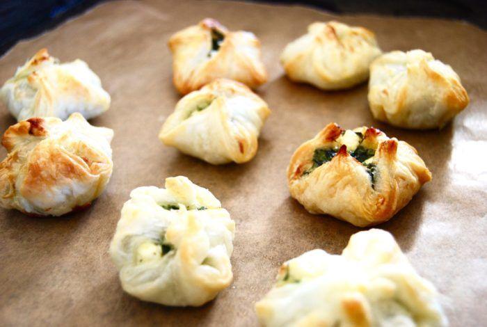 Spinach Puffs – Knyten fyllda med spenat & fetaost!