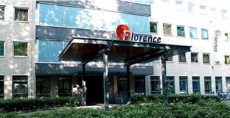 » Florence zoekt gezellige, zorgzame chauffeurs - http://www.wijkmariahoeve.nl/florence-zoekt-gezellige-zorgzame-chauffeurs/ - Personenbus Dagcentrum Mariahoeve Florence zoekt gezellige, zorgzame chauffeurs Keurmerk Goed Geregeld Mensen die interesse hebben om chauffeur te worden van de nieuwe personenbus van Dagcentrum Mariahoeve, kunnen contact opnemen met Martin van Wijngaarden via martin.van.wijngaarden@florence.nl of via 070 – 754 64 84. Natuurlijk komen mense