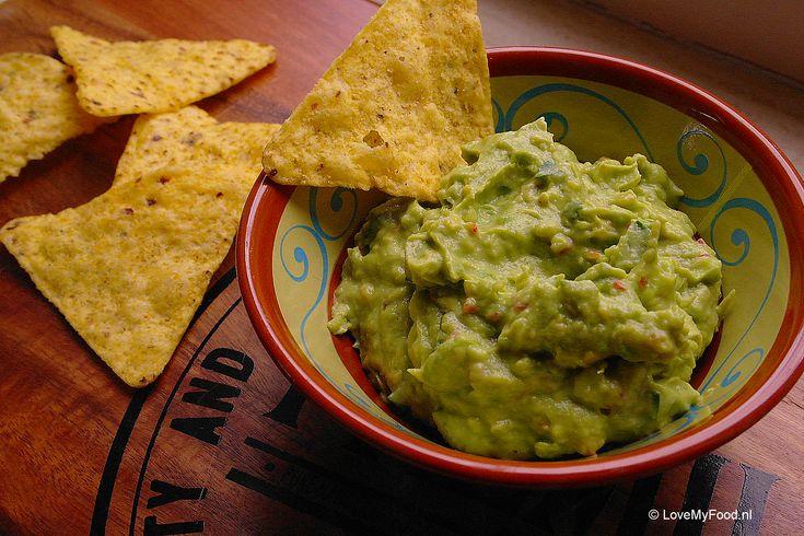 Hmmmm guacamole! Als bijgerecht bij een Mexicaanse maaltijd, in een wrap bij de lunch of als dip bij tortilla chips…. Guacamole is altijd lekker! Avocado's zijn een echte superfood. Ze bevatten een hoog gehalte aan gezonde vetten, kalium en foliumzuur. Deze guacamole is dus niet alleen super lekker, maar ook nog eens verantwoord. Zorg wel […]