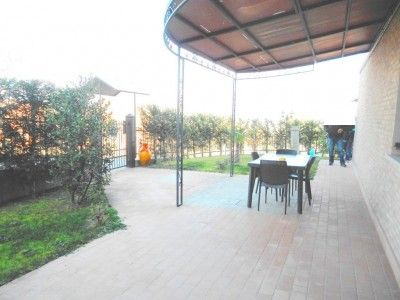 A 10 km da Serramazzoni in dir.ne Marano s/p, appartamento di 125mq in ottimo stato con giardino privato