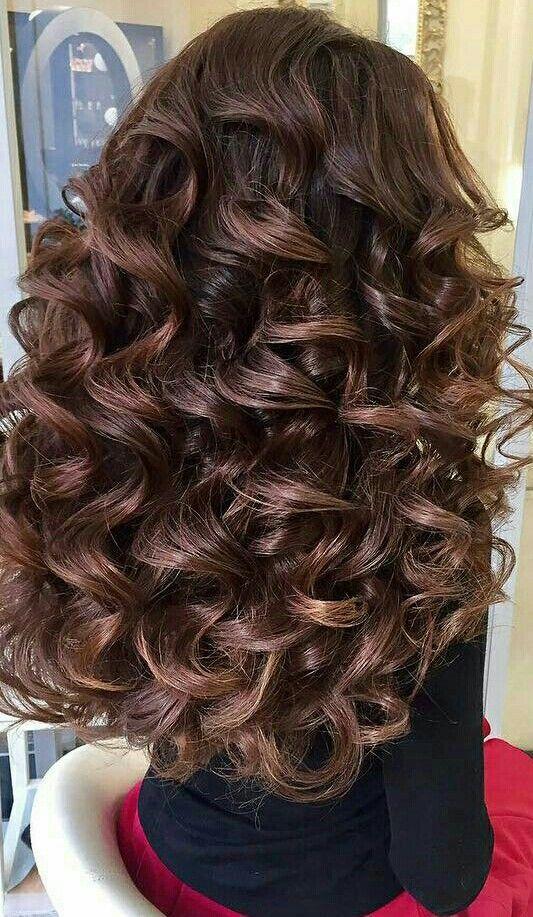 Schone lange lockige haare