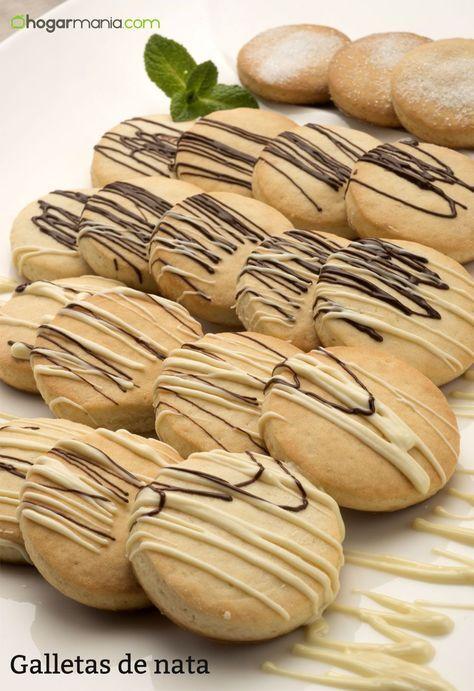 Eva Arguiñano prepara unas galletas de nata decoradas con chocolate negro y blanco, un postre tradicional elaborado en el horno.