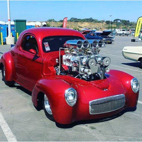 261 best images about hot rods on pinterest cars sedans for Sarge automobiles garage serus