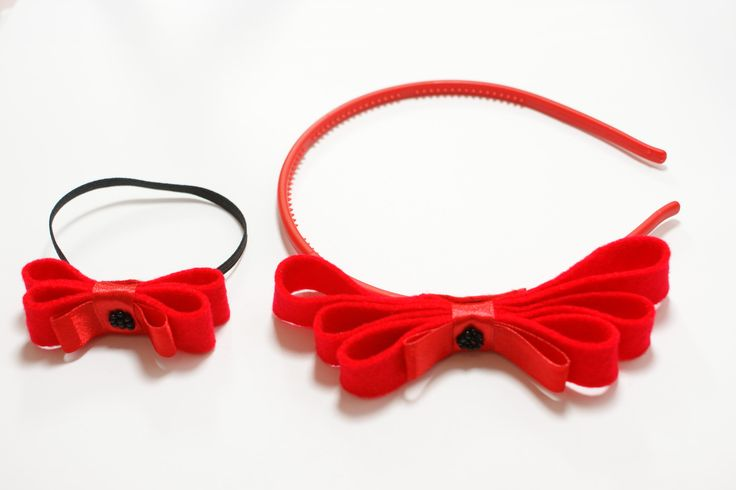 Red bow hair band for girl and doll. Made of felt.