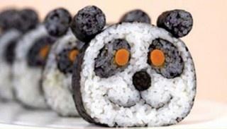 Nog zo'n lieve sushi-panda! Helaas kun je deze nog niet online bestellen :( #sushi