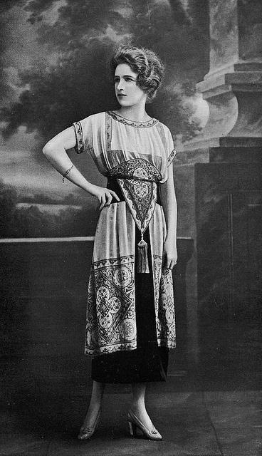 Les Modes (Paris) 1918 Robe d'apres-midi par Doeuillet