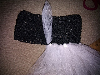 DIY TUTU DRESS!  These look so easy to make, so I'm definitely doing this!