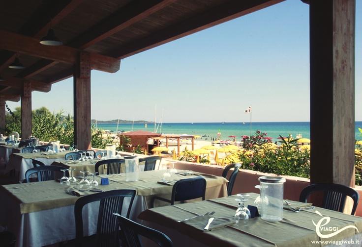 Sardegna Sud, Free Beach Club:      TU scegli la zona della Sardegna che preferisci (Nord, Centro o Sud), e 7 giorni prima della partenza ti comunichiamo la struttura scelta per te! Per informazioni sulle vacanze 2013 in Sardegna, scrivi una mail a customer@eviaggiweb.it, oppure visita il nostro sito all'indirizzo www.eviaggiweb.it