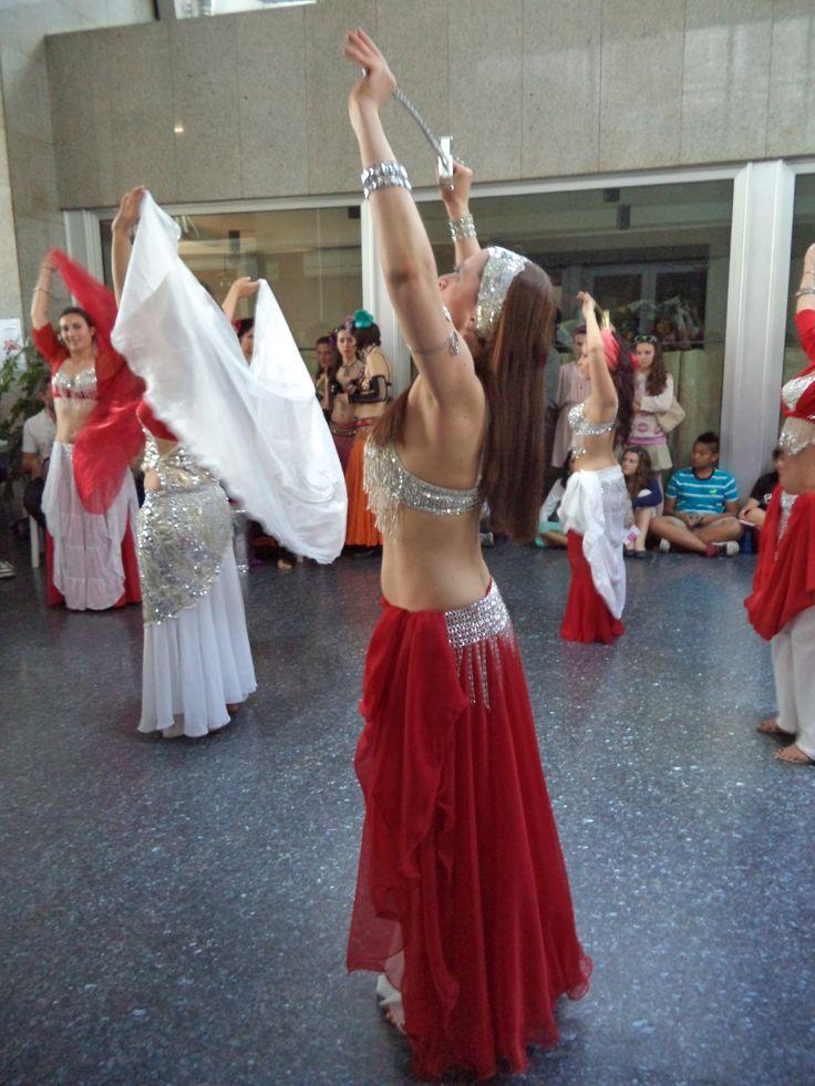 il 18 maggio scorso, via Padova a Milano ha danzato con noi! #danza #street #milano #festaquartiere #bellydance