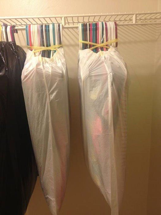 How to easily transport hanging clothes when moving - The 55 Most Useful Life Hacks Ever