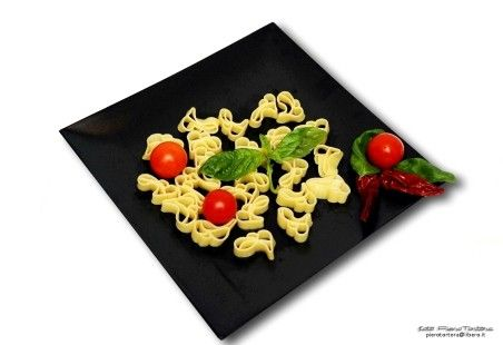 Love Bloom la pasta dell'amore. Pasta artigianale italiana per il vostro giorno più bello!