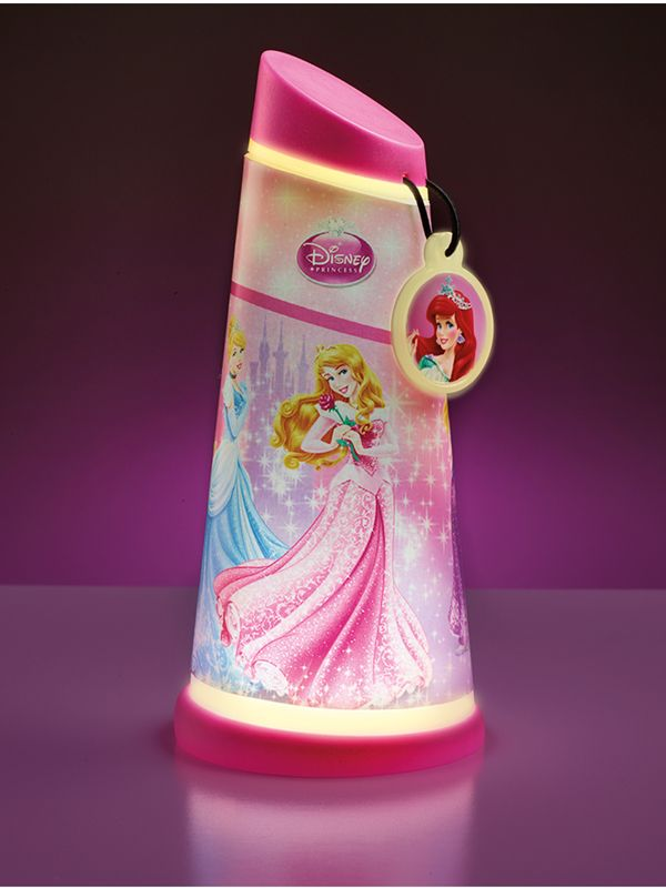 The Disney Princess Go Glow Night Beam Tilt Torch adds some enchantment and magic to bedtimes. Simply use the torch like a wand and wave to magically activate the light. Use it to read fairytales whilst tucked up in bed with your favourite Disney Princess characters by her side.
