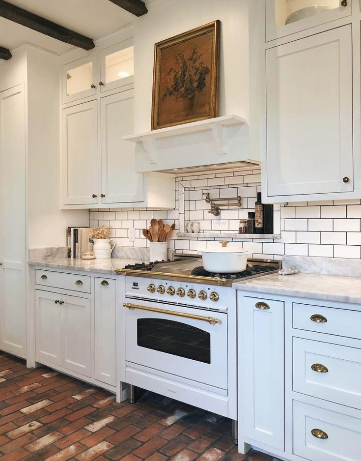 Antique White Kitchen Cabinets Rustic