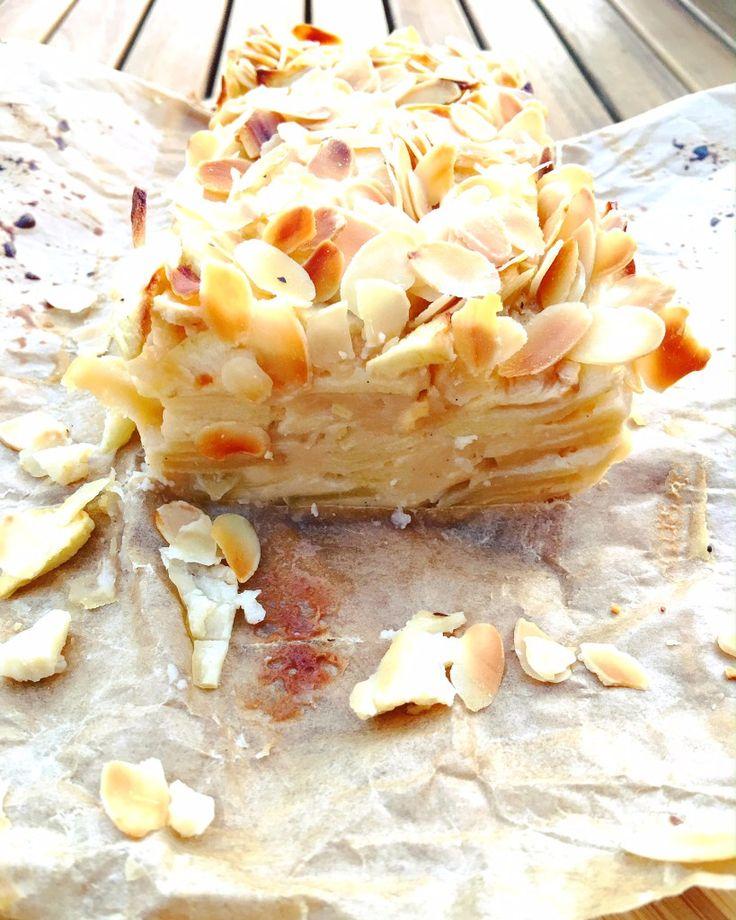 Unsichtbarer Kuchen Low Carb mit Äpfeln und Mandeln