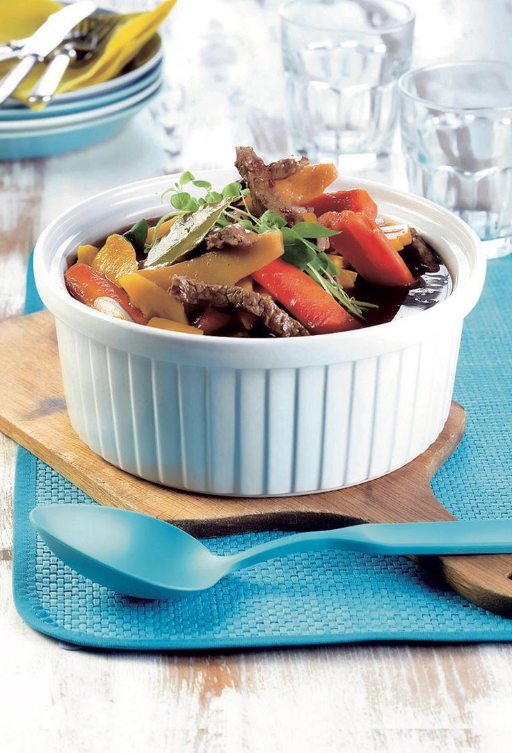 Vartin lihapata valmistuu helposti ja nopeasti lehtipihveistä ja pakasteuunijuureksista.