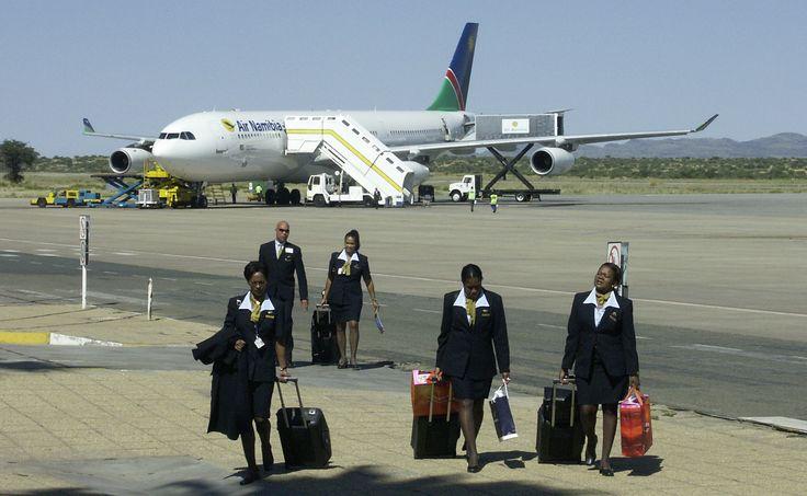 Heute wie früher geht man zu Fuss den Weg vom Flieger zur Ankunftshalle des Hosea Kutako International Airports in Windhoek.