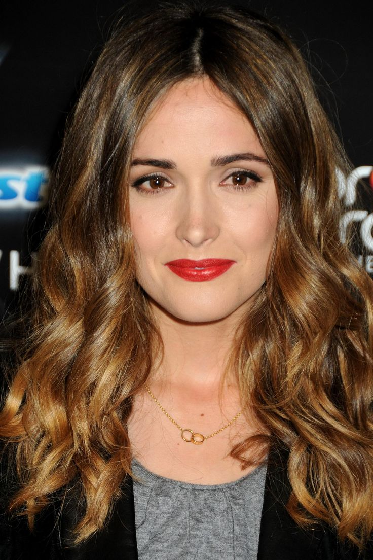 Rose Byrne hair and red lipstick