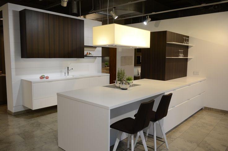 Individuell geplante Küchen mit hohem Design- und Qualitätsanspruch. Wir planen und montieren Ihre Küche in Berlin, Umgebung und bei ganz spannenden Projekten auch weltweit.
