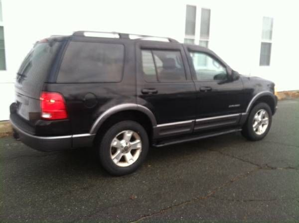 2004 Ford Explorer XLT, Super clean, best deal on CL