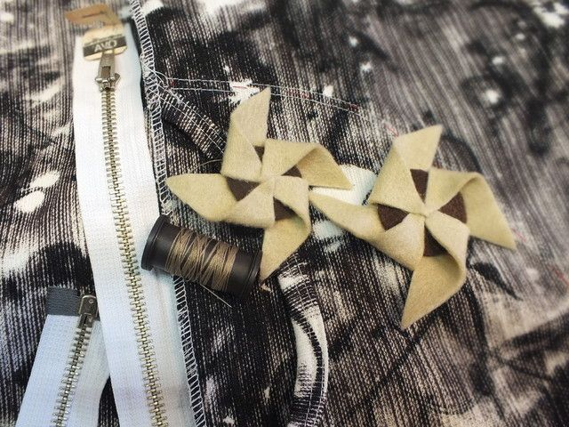 joulutorttu magneetti tai rintamerkki