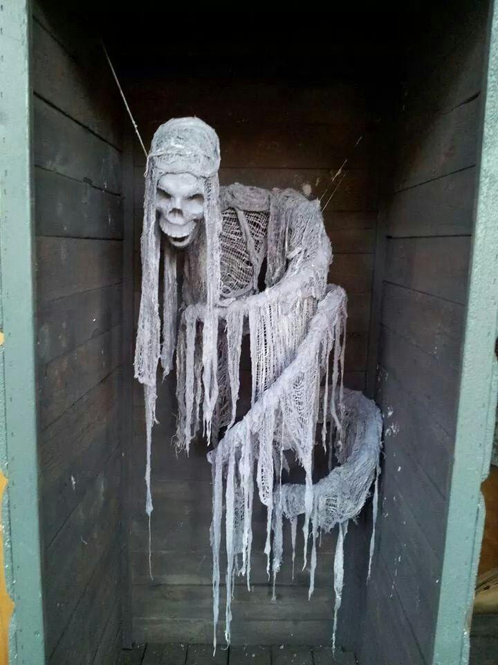 Foam skull, tubing, cheese cloth or jute, monster mud.