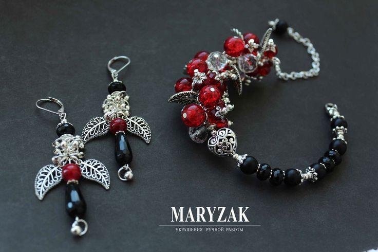 Комплект с агатами, стеклянными бусинами, металлической фурнитурой. Эксклюзивный авторский дизайн. #maryzak #fashion #jewerly #look #мода #красота #стиль #браслет #серьги #ручнаяработа
