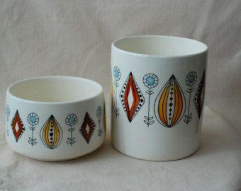 2 Mid-century scandinavian pots,  Egersung Flint Norway hand painted