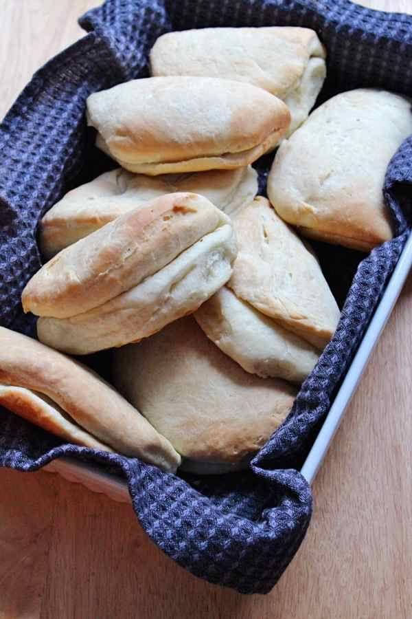 Jamaican coco bread (pain au lait de coco jamaïcain)