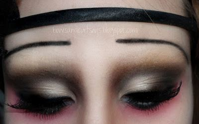 """.Bows and Curtseys...Mad About Makeup."": 1920's Flapper Vampire Halloween Look with Tutorial!"