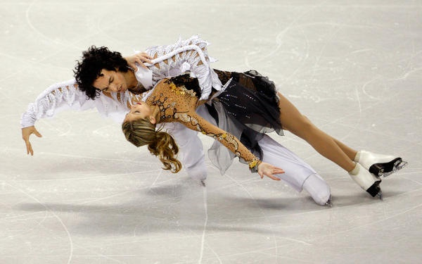 Tanith Belbin and Benjamin Agosto performing their ice dancing free dance routine at the U.S. Figure Skating Championships in Spokane, Wash.