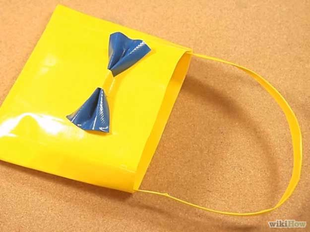 Duct Tape Crafts Ideas for DIY Home Decor, Fashion and Accessories | Duct Tape Mini Purse (With a Bow) | DIY Projects for Teens | http://diyprojectsforteens.com/duct-tape-projects/