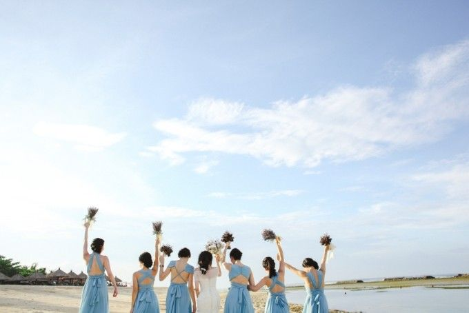 Add 'Something blue' on your wedding, they say | One Couple's Charming Wedding At Sofitel Bali Nusa Dua Beach Resort | http://www.bridestory.com/blog/one-couples-charming-wedding-at-sofitel-bali-nusa-dua-beach-resort