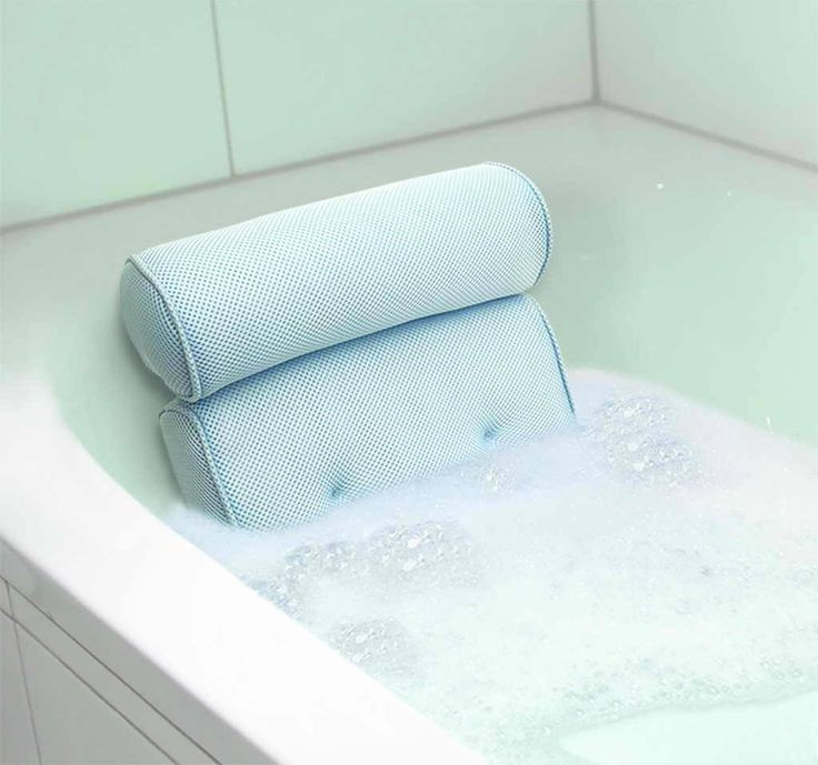 The Deluxe Spa Bath Pillow is not your average pillow. Offering spa-level comfort and design, this is one of the most comfortable pillows you'll find. Cushioned bolster cradles neck and shoulders, whi