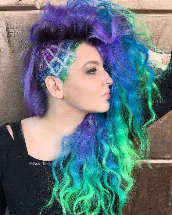 Glitter y adornos en la cabeza rapada: Nueva tendencia viral [FOTOS] - Diseño de rapado en el lateral