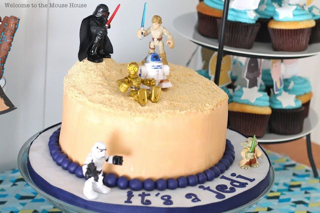 Know a mama welcoming a little Jedi soon? Well, the force is strong with this  Star Wars baby shower  idea from The Mouse House! This would make for a perfect kid-friendly shower, with R2D2 cookies and