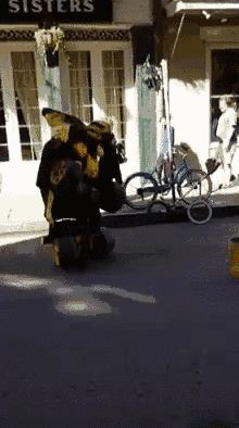 This street performer would win every Halloween contest ever