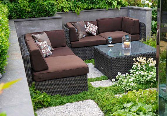 moderne loungem bel sind optimal an die bedingungen im freien angepasst obi garten garten. Black Bedroom Furniture Sets. Home Design Ideas